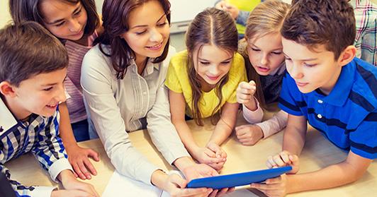 4.Autismo-A-Prática-do-Ensino-Estruturado-Aplicada-às-Políticas-de-Assistência-e-Integração-Social-de-Pessoas-com-TEA_532x279px_educação